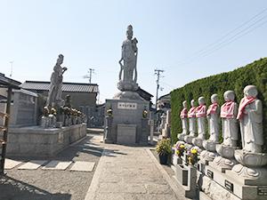 観音寺墓地(明石市二見町)の永代供養墓の写真